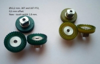 S&K Crown gear, hypoid 72 pitch 30 teeth , offset 0.5 mm, 2 mm axle,  Ø13.2 mm, green - S&K#Offset 0.5mm