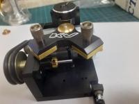 KV Станок для обработки колёс автомодели с рабочими пластинами с алмазным напылением разной шероховатости - для грубой (0,315 мм) и прецизионной (0,200 мм) обработки